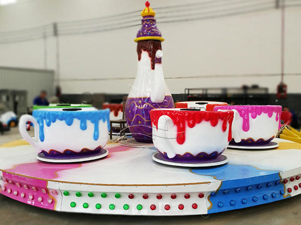Cup and Saucer Family Ride