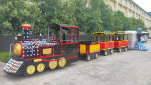 What are the advantages of trackless train ride?
